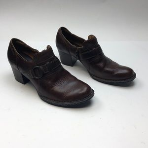 Born Size 8 Women's Brown Ankle Boots Zipper Heel